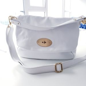 KATE BAG BY ROOTS